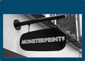 Skilte - Butiksskilte - Fasadeskilt - Fasadebokstaver - Bogstaver til butik - Skilte med print - Byggepladsskilte - Pylon - Pyloner - Gadeskilte - Askilte - Galgeskilte - Skilte til væg - Skilte til din butik - Læs mere